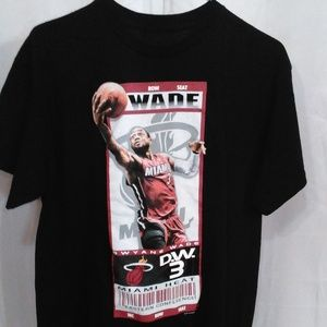 Dwyane Wade #3 Miami Heat Row Seat Tee Shirt (M)